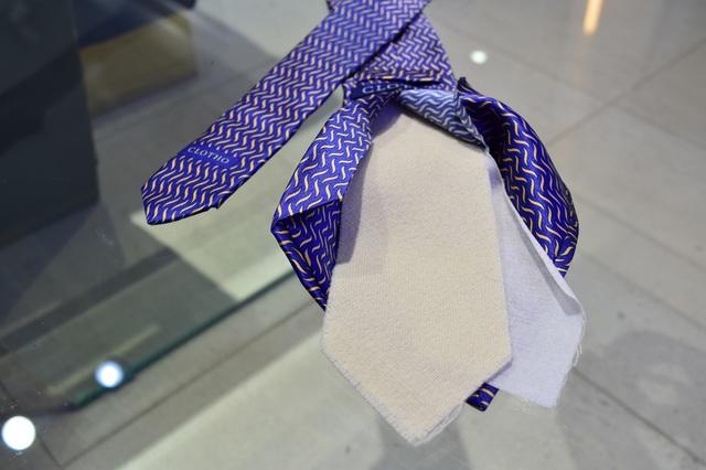 ネクタイの芯地